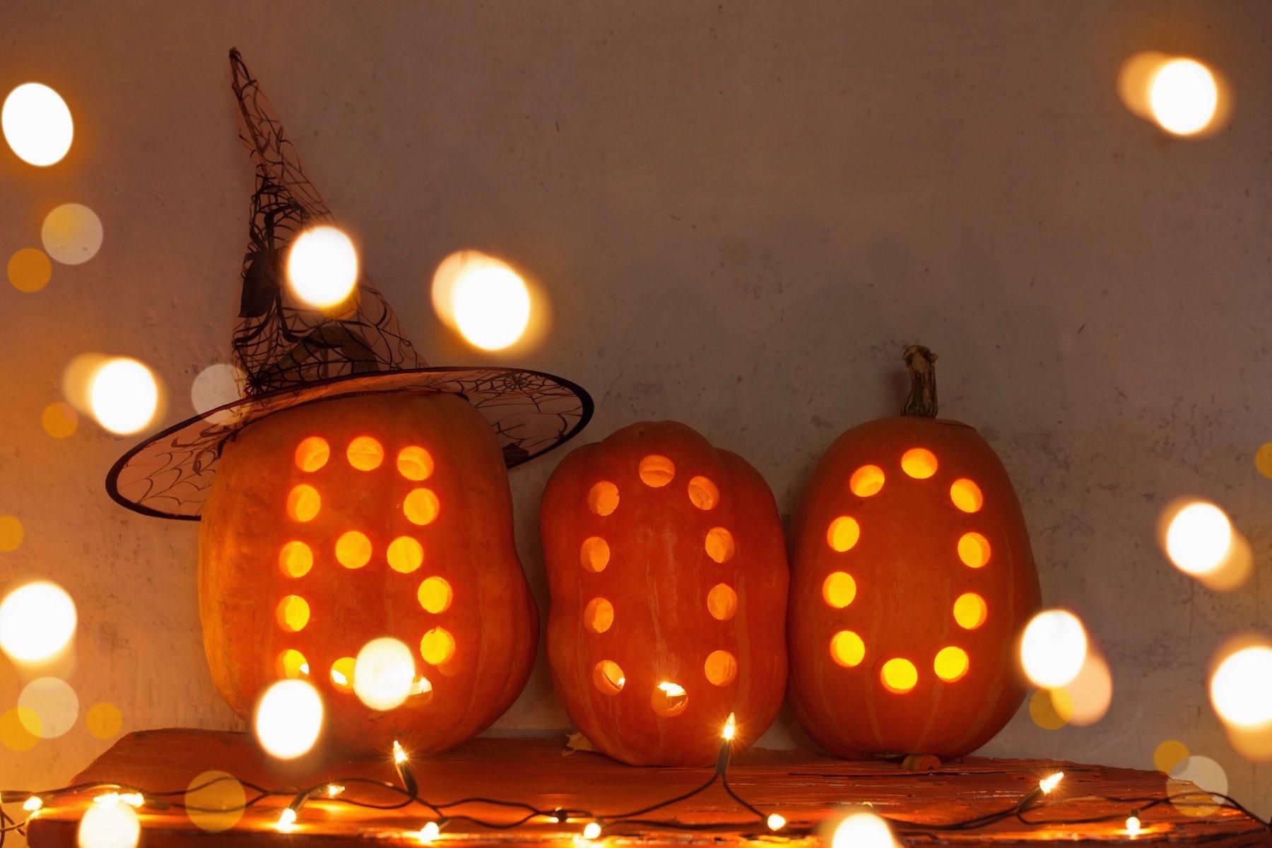 halloween pumpkins say boo